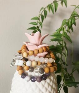 12pm: Create your own stack bracelets hosted by Sunstone Jewels