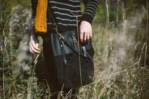 Suffolk Sak | Black Leather & Solid Brass